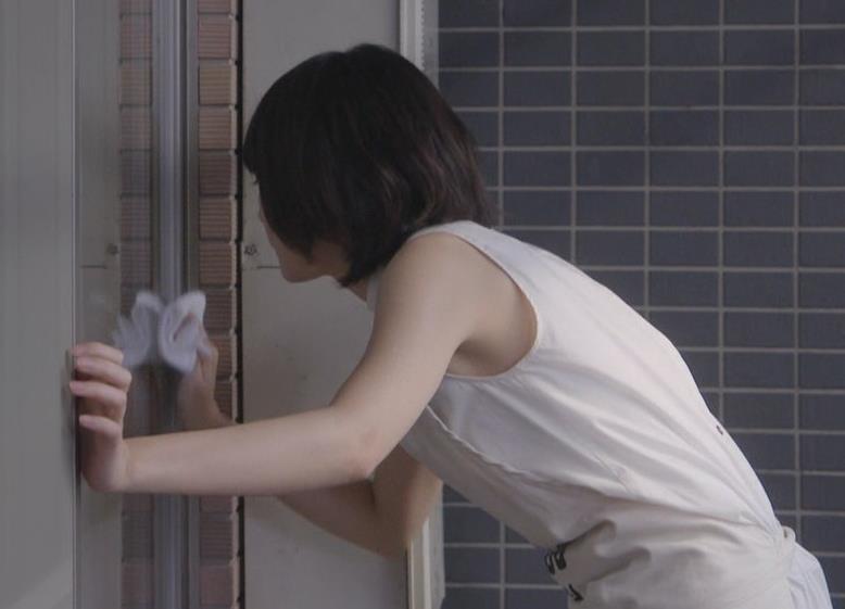 新垣結衣 白いワキとか見える秋のドラマに期待キャプ画像(エロ・アイコラ画像)