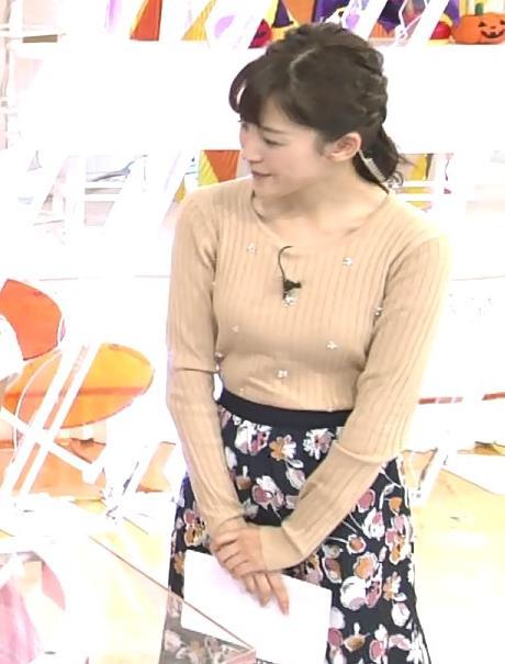 宮司愛海 肌色のニットおっぱいキャプ画像(エロ・アイコラ画像)