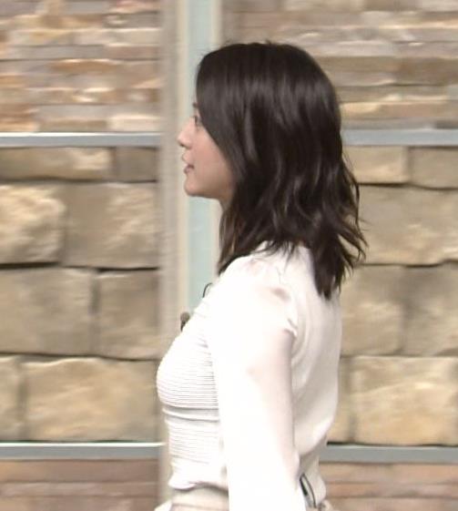 小川彩佳 横乳がかなりエロかったキャプ画像(エロ・アイコラ画像)