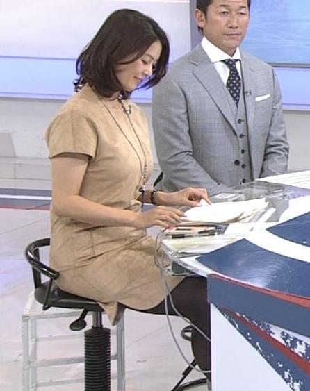 杉浦友紀 巨乳横乳&黒ストッキングキャプ画像(エロ・アイコラ画像)