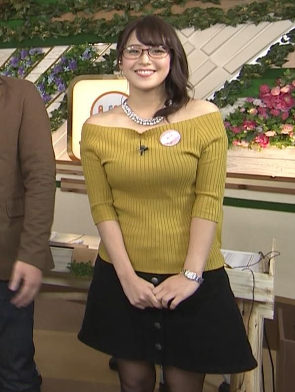 鷲見玲奈 両肩露出のエロニットキャプ画像(エロ・アイコラ画像)