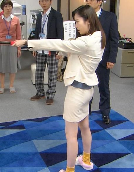 島崎遥香 タイトスカートのお尻キャプ画像(エロ・アイコラ画像)