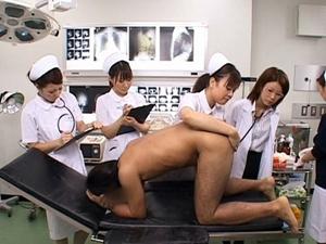 これは恥ずかしい!女医とナースたちによる前立腺の触診と心理療法を加えた吐精療法 麻生くみ 前田りかこ 長澤りお