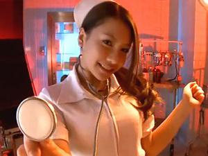 巨乳淫乱痴女ナースが上になって手コキ足コキ騎乗位で患者責め!松本メイ