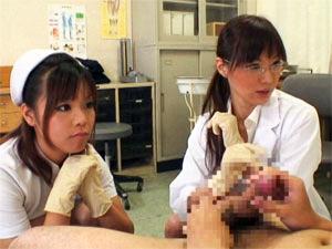 治療という名目でゴム手袋手コキで射精するまでチンポを弄ぶ女医とナース